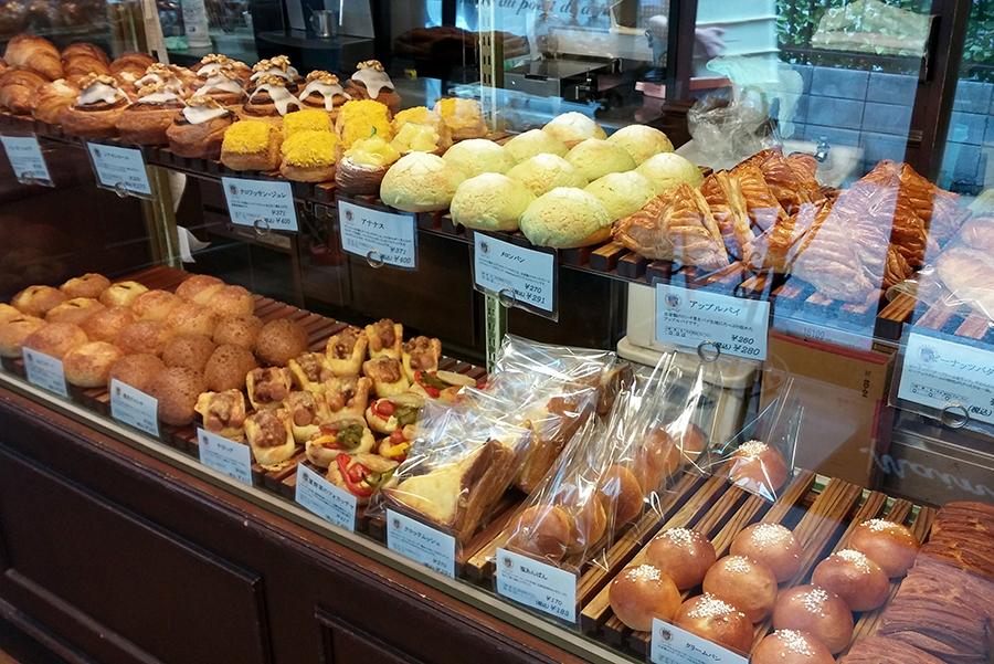 Boulangerie et Cafe Main Mano パン売り場