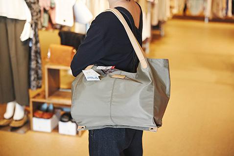 このバッグ良くない?B.FIELDのトートバッグは4,290円が30%OFFで約3,000円!